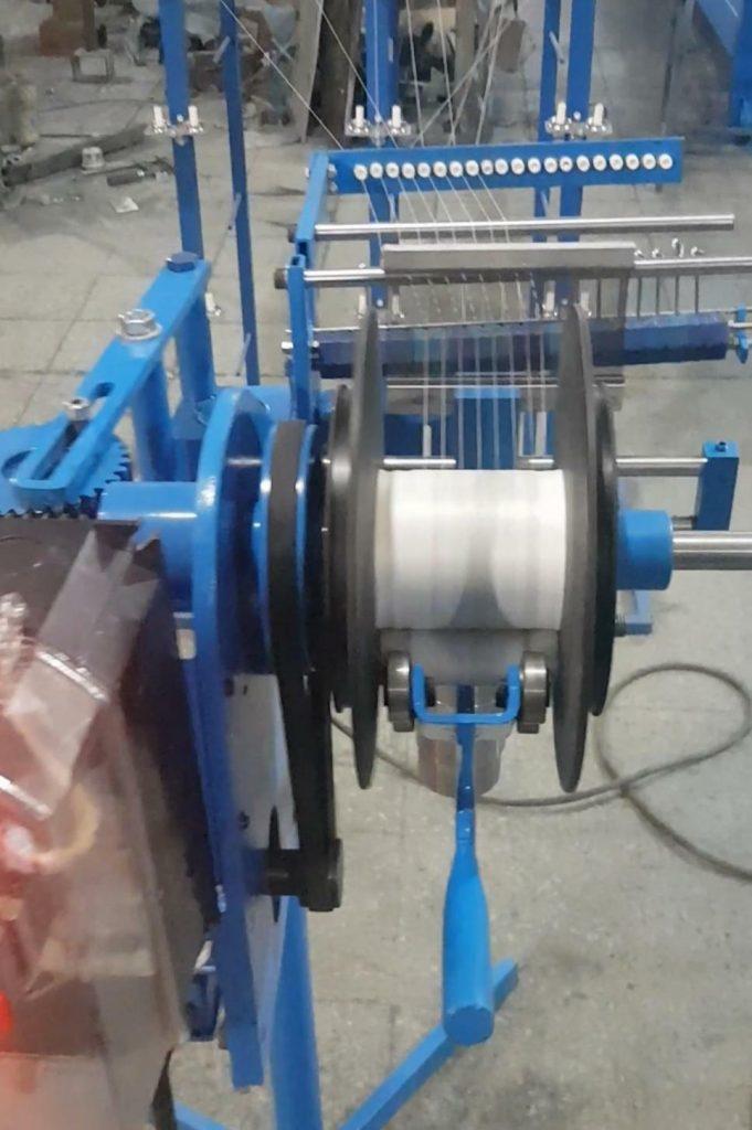 ساخت انواع دستگاه های رول کن و کناره پیچ پارچه